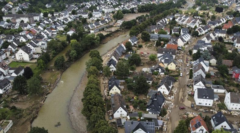 Almanya'da sellerde ölenlerin sayısı 171'e yükseldi