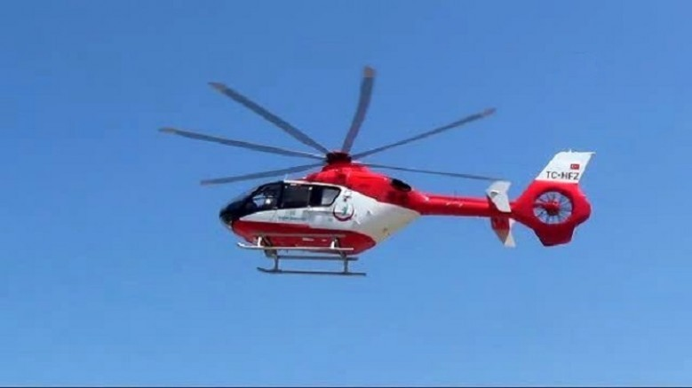 Ambulans helikopter Sarız 'da başını traktör pulluğuna çarpan kişi için havalandı