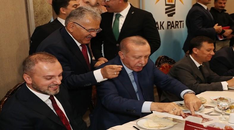 Başkan Menduh Büyükkılıç' tan Cumhurbaşkanı' na pastırma ikramı.