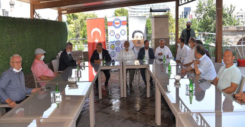 Büyükkılıç ,Gönüllü Kültür Kuruluşları'nın temsilcileri ile bayramlaştı