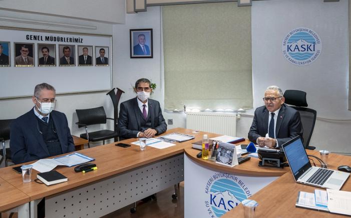 Büyükkılıç KASKİ Genel Müdürlüğü'nde 2022 Yılı Yatırım Değerlendirme Toplantısı yaptı