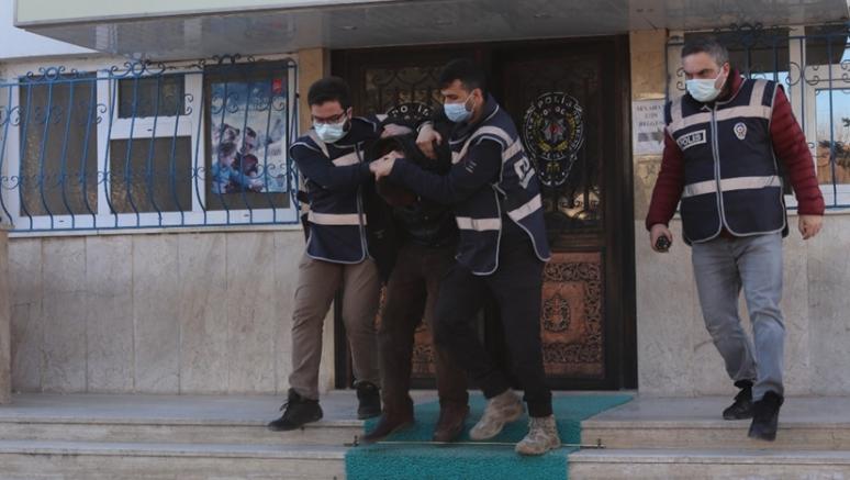 Camilerden yardım kutularındaki parayı çaldığı iddiasıyla aranan şüpheli yakalandı