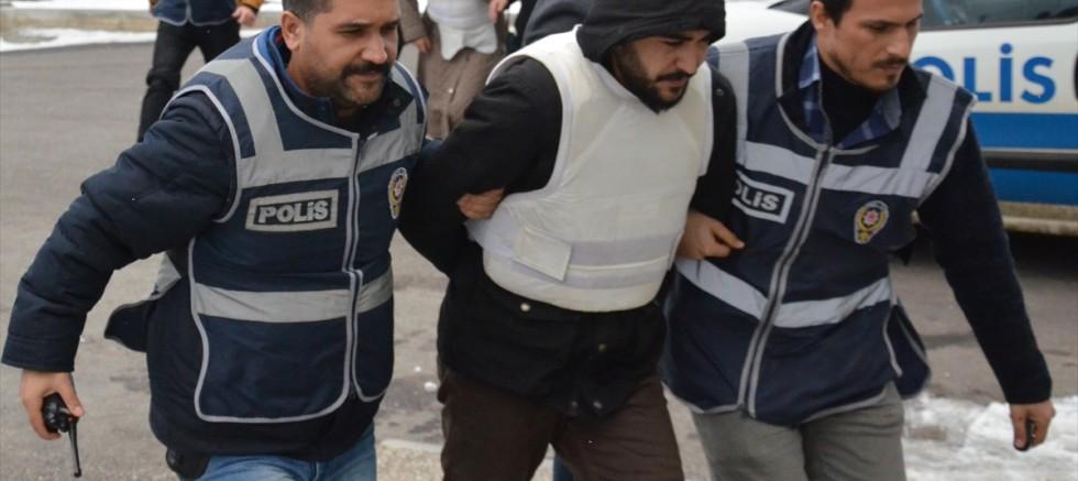Cinayetle ilgili 2 kişi tutuklandı