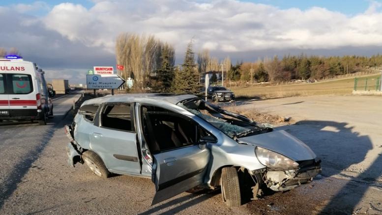 Devrilen otomobilin sürücüsü genç kadın hayatını kaybetti