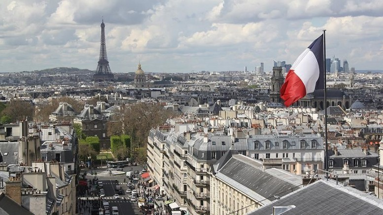 Fransa'da 24 saate Kovid- 19'da rekor vaka sayısı 41 bin 622