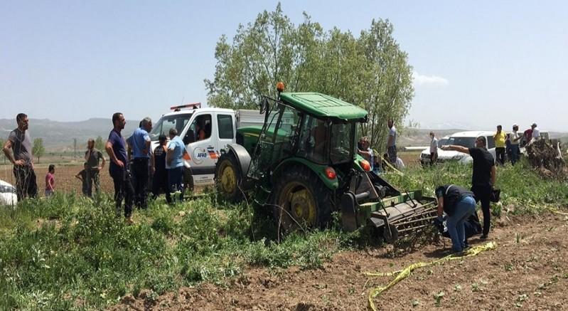 Freni boşalan traktörün altında kalan çiftçi öldü