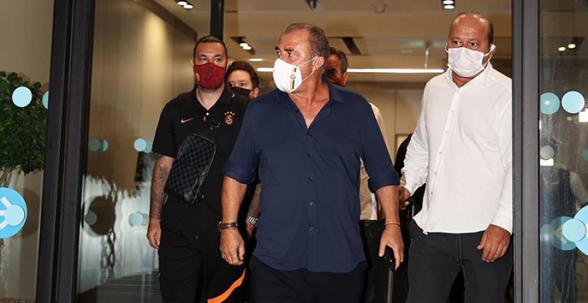 Galatasaray'a Yunanistan'da çirkin tavır, Takım yurda döndü