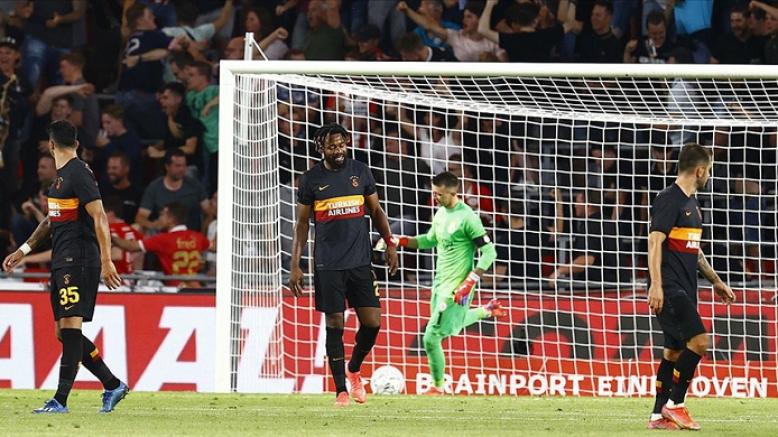 Galatasaray,  UEFA Şampiyonlar Ligi 2. eleme turu ilk maçında PSV Eindhoven'e 5-1 yenildi
