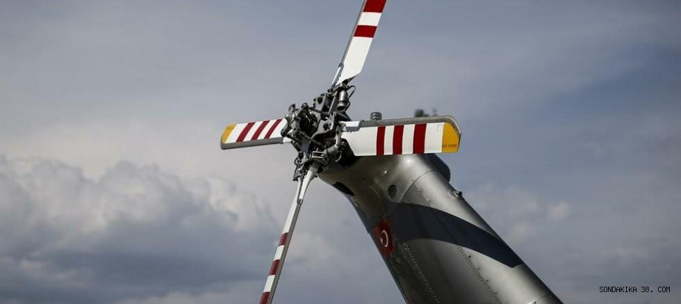 Hawaii'de kaybolan tur helikopterinin enkazı bulundu