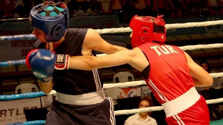Kadın milli boksörlerimiz Sırbistan'da 5 madalya kazandı