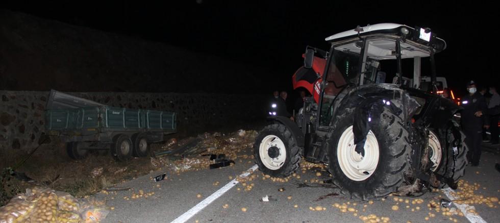 Kamyon ile çarpışan traktörde  1 kişi öldü, 3 kişi yaralandı