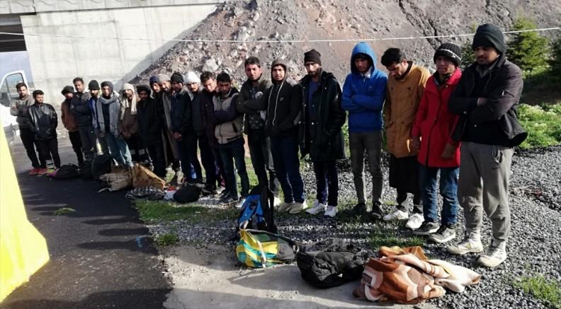 Kayseri'de 21 düzensiz göçmen yakalandı