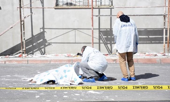 Kayseri'de 8. kattan düşen inşaat işçisi öldü