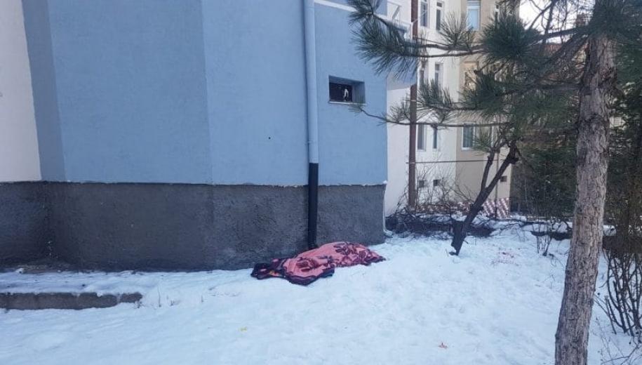 Kayseri'de apartmanın 5.inci katından atlayarak intihar etti