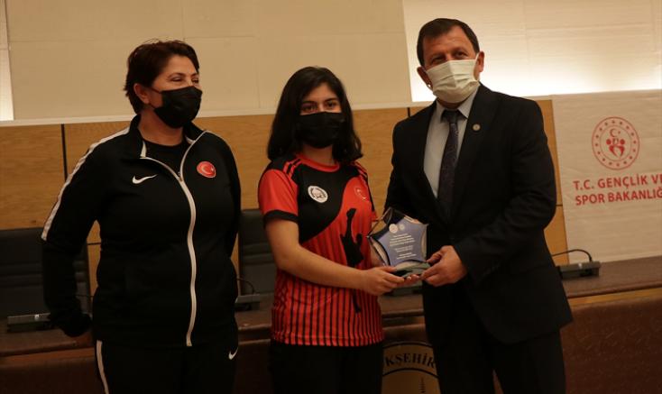 Kayseri'de başarılı sporcular için ödül töreni düzenlendi