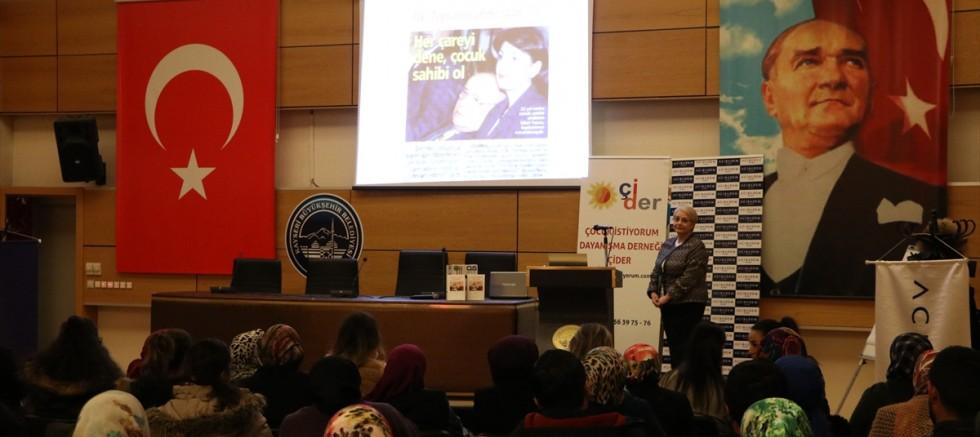 Kayseri'de Çocuk İstiyorum Dayanışma Derneği toplantı yaptı