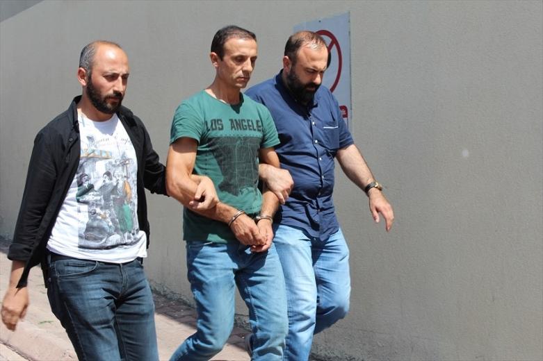 Kayseri ' de Hamile eşini yaralayıp yanındaki arkadaşını öldüren zanlı tutuklandı