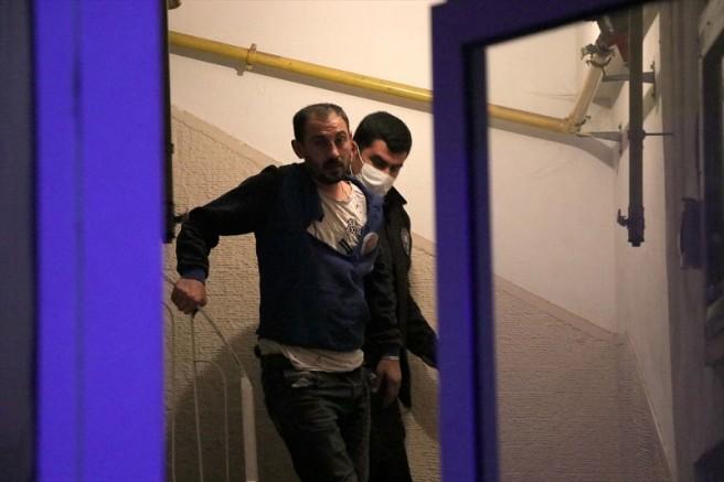 Kayseri'de işten dönen ev sahibi evindeki hırsızı yakaladı