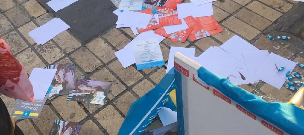 Kayseri'de İYİ Parti'nin standına saldırı