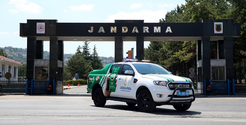 Kayseri' de Jandarmanın özel timi çevre ve hayvanlar için mesaide
