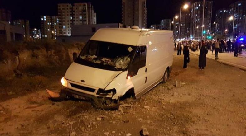 Kayseri'de kaldırımda yürürken minibüs çarpan kadın öldü