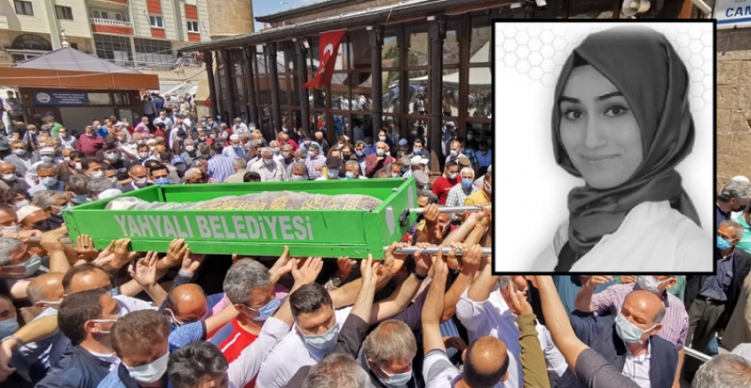 Kayseri'de öldürülen Arife öğretmenin cenazesi toprağa verildi