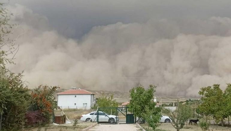 Kayseri ve 3 il için kuvvetli rüzgar ve toz fırtınası uyarısı