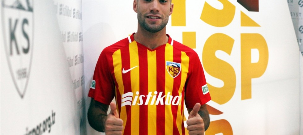 Kayserispor Fransa'nın Reims takımından Aksel Aktaş ile anlaştı