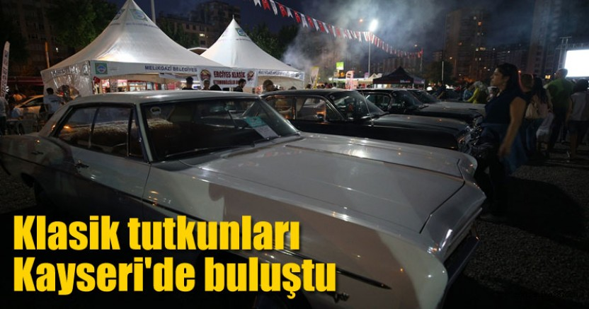 Klasik otomobil tutkunları Kayseri'de buluştu