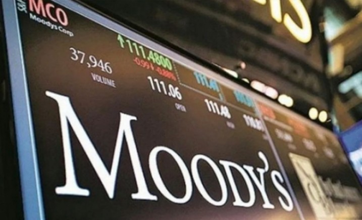 Moody 's 13 Türk bankasının notlarını indirdi