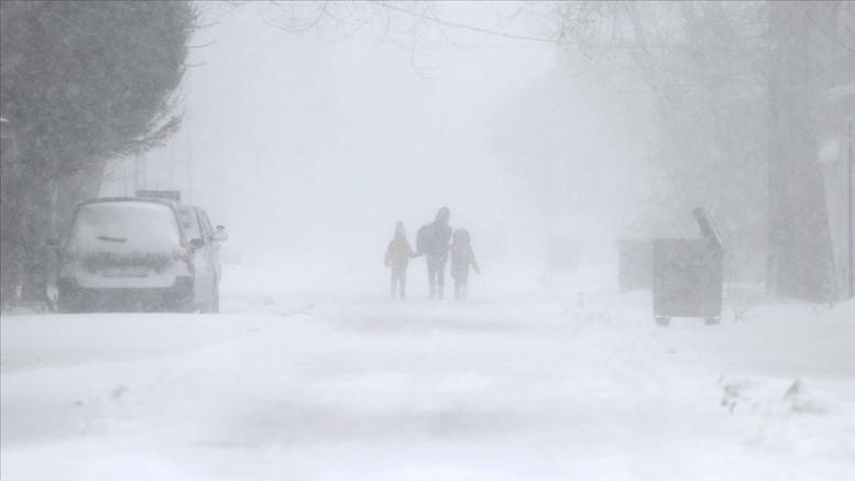 Nevşehir'de kar yağışı nedeniyle yüz yüze eğitime 1 gün ara verildi