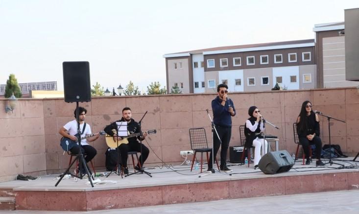 NNYÜ'de Yaza Veda Konseri