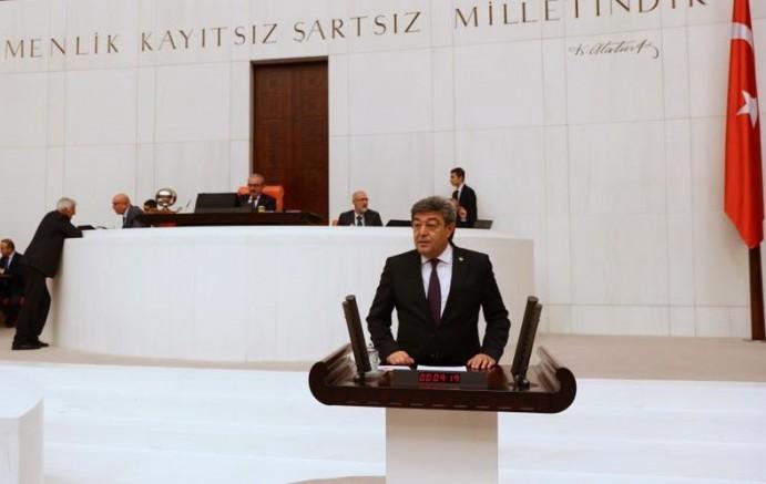 Milletvekili Ataş:''Ögrenci burslarına yüzde 6 ,yurtlara yüzde 20 zam amacınız ne?''