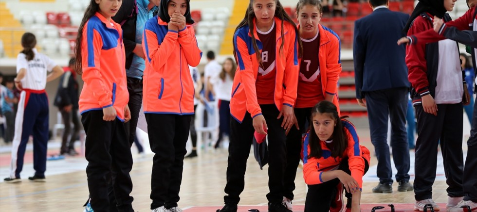 Okullar Arası Türkiye Curling Şampiyonası başladı