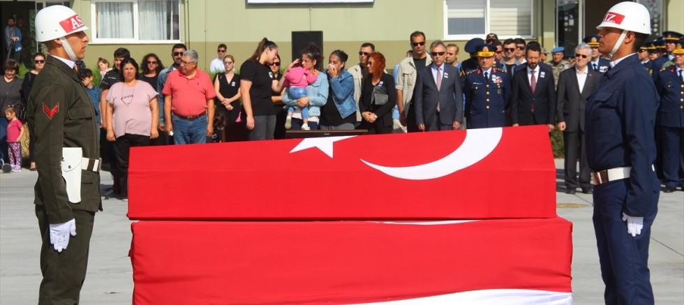 Şehit astsubay Harmankaya'nın cenazesi memleketi İzmir'e uğurlandı