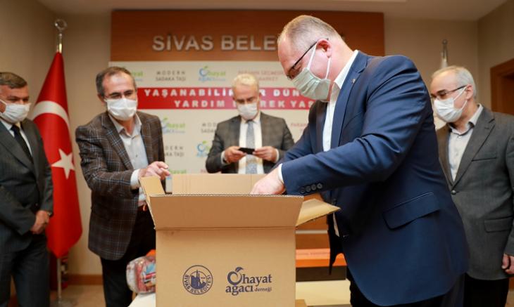 Sivas Belediyesi 5 bin 500 aileye 500'er TL yardımda bulunacak