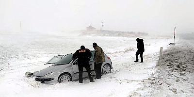 Aksaray'da kar ve tipi nedeniyle yaylada mahsur kalan 27 işçi kurtarıldı