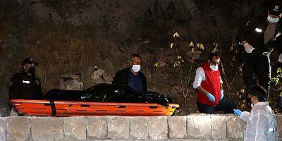 Kayseri'de, tartıştığı arkadaşını başına taşla vurarak öldürdü