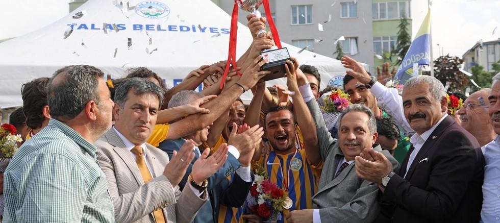 Talasgücü Belediyespor'da şampiyonluk sevinci