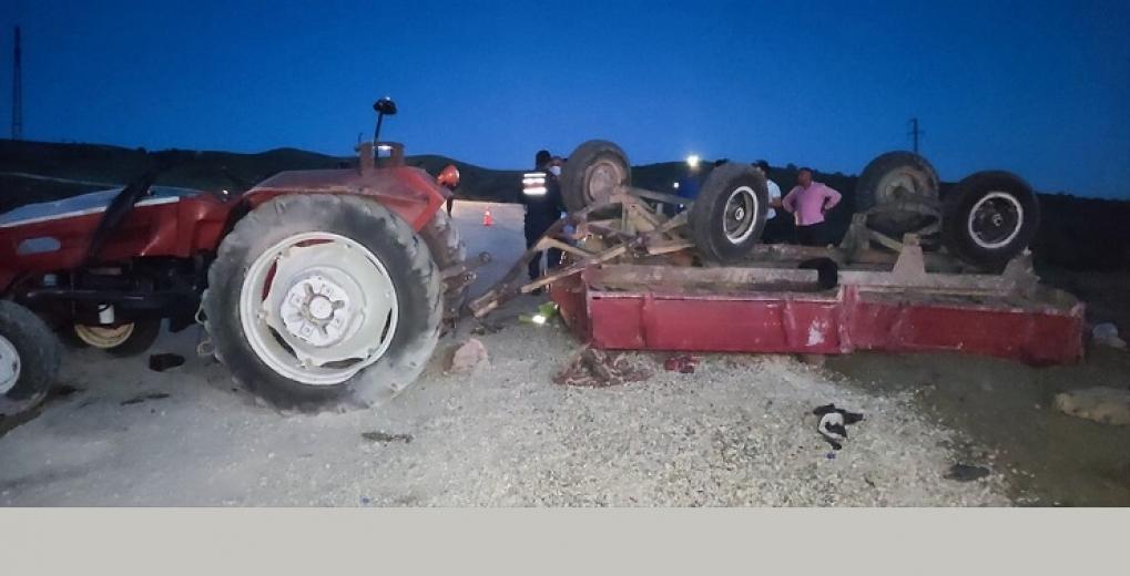 Traktör devrilmesi sonucu 3'ü çocuk 4 kişi hayatını kaybetti, 18 kişi yaralandı
