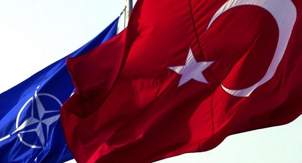 """Türkiye  NATO'dan İdlib için """"önleme uçuşu"""" istedi"""
