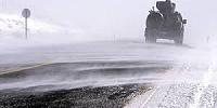 Ardahan'da kar ve tipi sürücülere zor anlar yaşattı